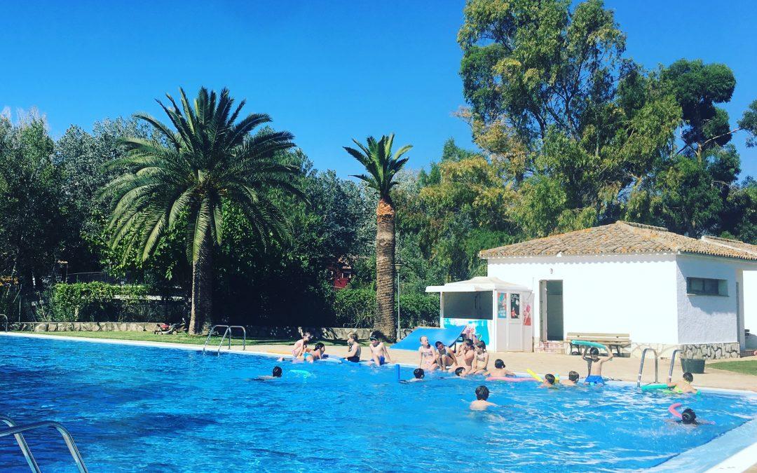 Informació de la piscina: obertura, cursos i aquagym
